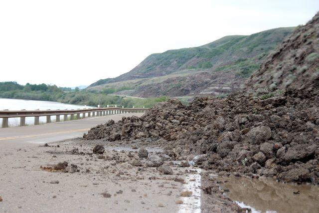 Mudslide blocks lane on Highway 837 | DrumhellerMail