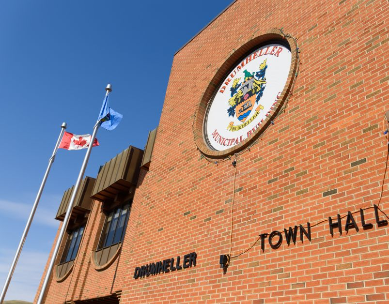Drumheller Town Hall during the summer time