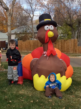 luke-and-jackson-tabert-w-inflate-turkey