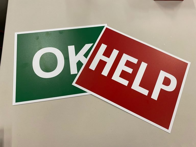 Help and Ok signs 768x576